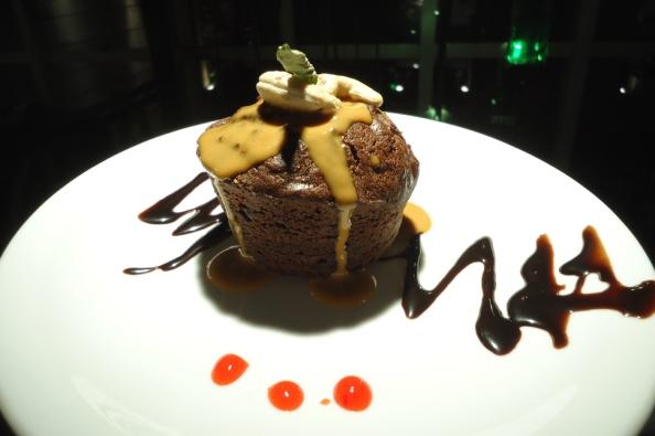 Torta húmeda de algarroba en Café du Sens
