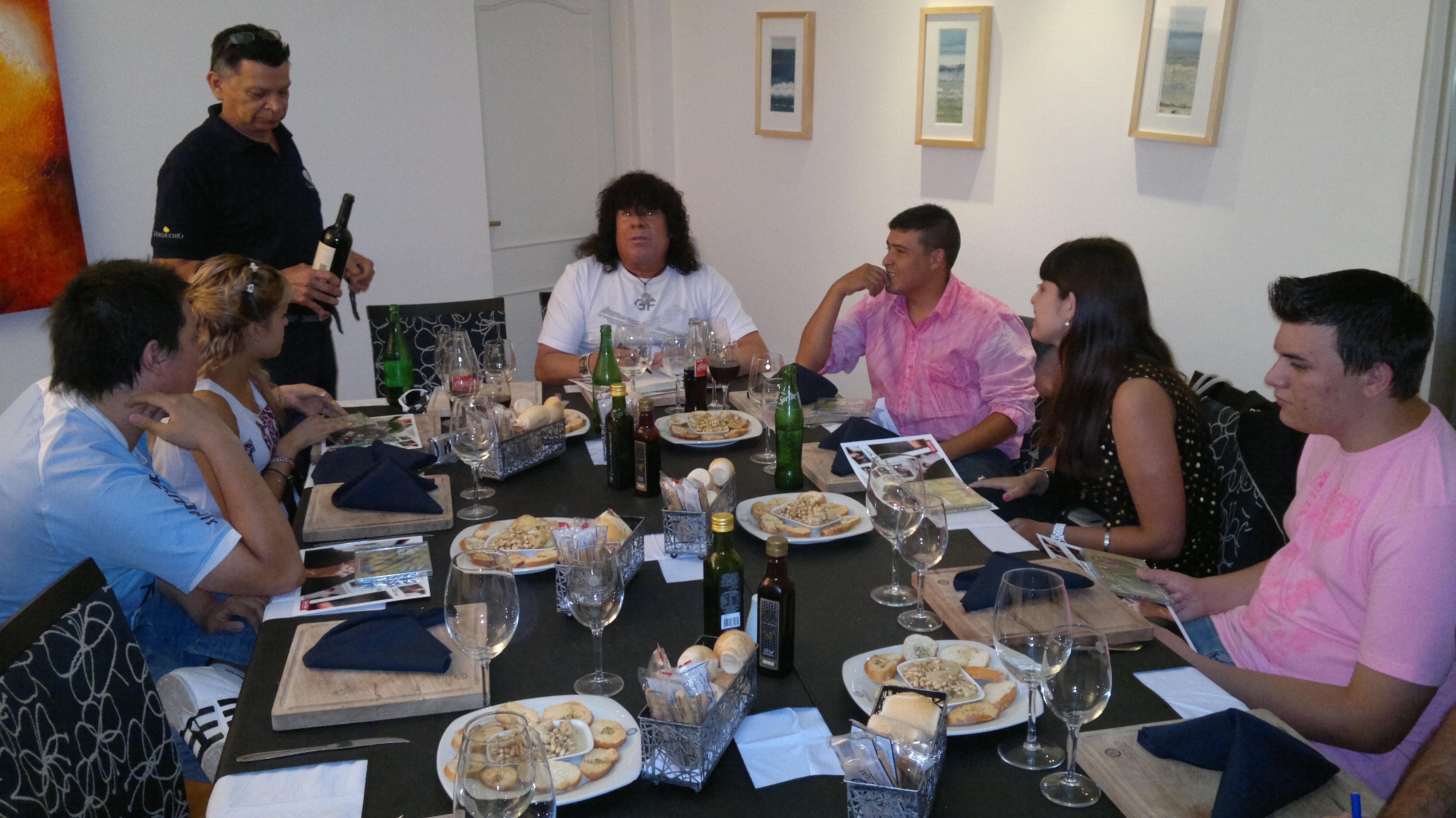 La Mona Jiménez almorzó con sus fans