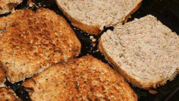 Tostadas de pan al horno